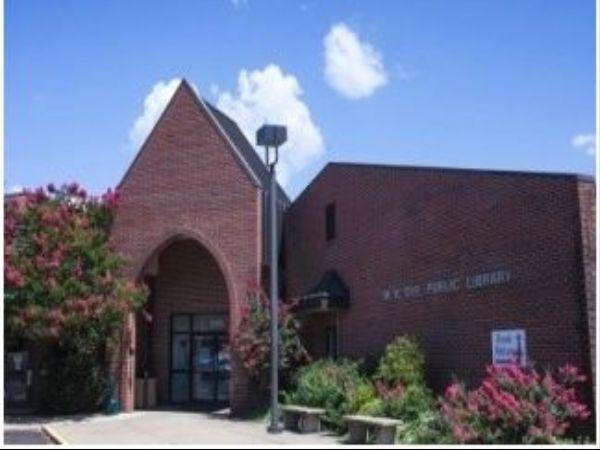 M. R. Dye Public Library Horn Lake